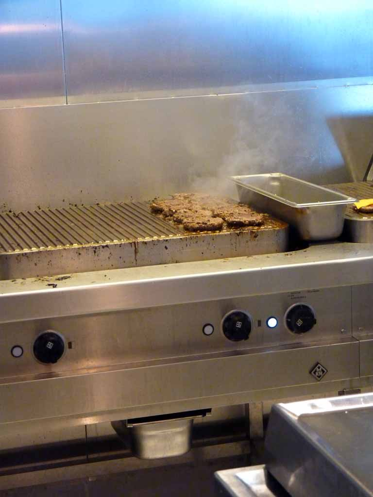 1894: Carnival Dream, Transatlantic Cruise, Hamburgers on The Grill