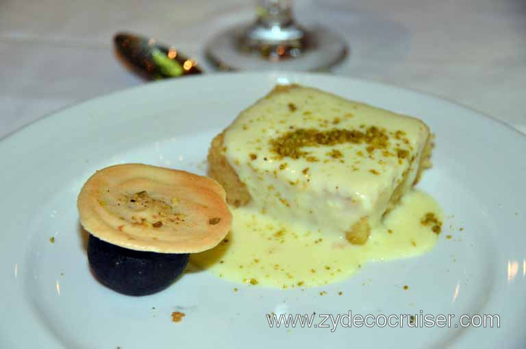 063: Carnival Magic, Main Dining Room Menus and Food Pictures, Dinner, White Chocolate Bread Pudding