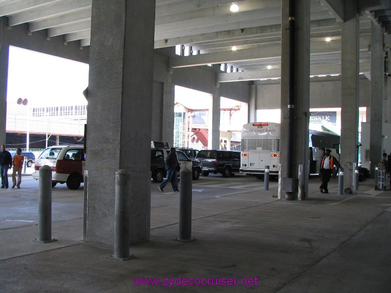 New Orleans, Erato Street Cruise Terminal, passenger drop off