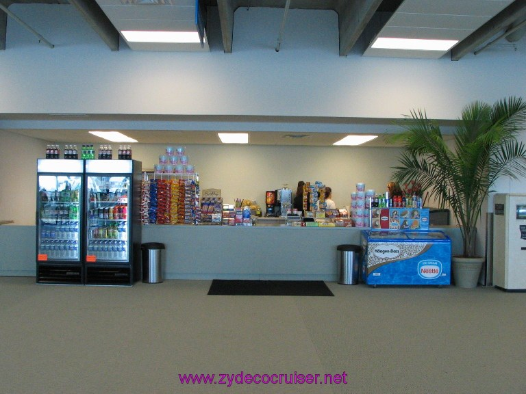 New Orleans, Erato Street Cruise Terminal, A concession stand inside the cruise terminal