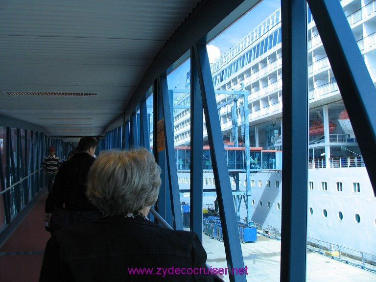 New Orleans, Erato Street Cruise Terminal, on the gangway to the ship