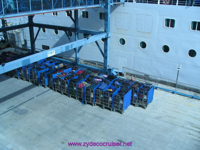New Orleans, Erato Street Cruise Terminal, Luggage waiting to be loaded